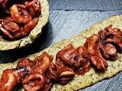 Tartaletas coca algas calamares salsa americana