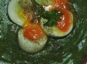 Crema espinacas huevos