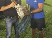 Angola entrega regalos Míchel Salgado