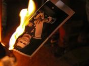 Quemar foto delito, delito alguien pueda cárcel quemar papel.