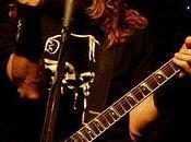 Dave Mustaine abraza catolicismo.