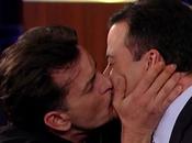 Charlie Sheen nuevo dando hablar, ahora beso Jimmy Kimmel!