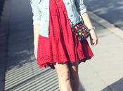 vestido color burdeos