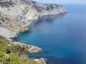 Visita hermosa vegetación Ibiza coche alquiler