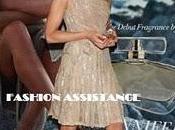 actriz eligió mucho acierto bonito vestido nude Valentino, rodilla solo tirante, combinó sandalias tono