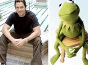 asombroso parecido entre Christian Bale Kermit Frog