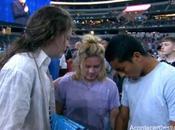personas entregan Cristo evento evangelístico Texas