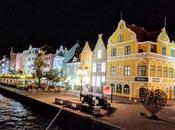 Willemstad noche. Curazao