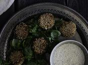 Falafel salsa eneldo vegana {Falafel with garlic dill sauce}