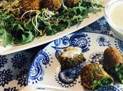 Croquetas verduras nueces salsa gorgonzola