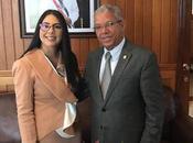 Diputado Méndez entrega solicitud directora CONANI.