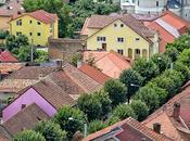 Ruta Rumanía. Bistrita torre iglesia resurgió cenizas como Fénix