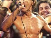 ESTRELLAS ROCK TAMBIÉN SUFREN ACCIDENTES LABORALES Como cualquier otro oficio, trabajan esto rock roll también corren riesgos laborales sufren enfermedades accidentes profesionales. ello libran gra...