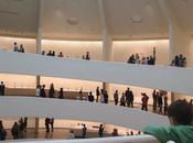 niño suelto Museo Guggenheim Nueva York