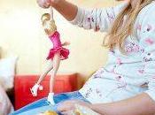 Barbie patinadora sobre hielo