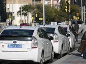¿Por algunos taxis llevan matrícula azul?