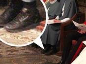 monja asiste boda real británica zapatillas Reebok