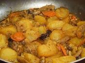 Guiso patatas setas frutos secos vino