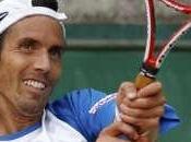 Roland Garros: Chela, esfuerzo, también sigue