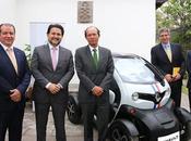 """Renault brindó conferencia sobre """"movilidad urbana sostenible"""" junto vehiculo 100% eléctrico twizy"""