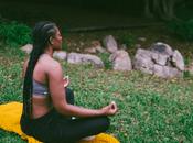 Efectos duraderos entrenamiento mindfulness: reducción angustia mejora habilidades afrontamiento