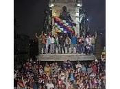 país (españa): nuevo presidente recibe sacudido duros conflictos sociales