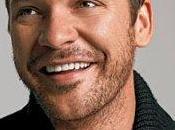 Peter Sarsgaard escribirá dirigirá adaptación Nacidos para correr
