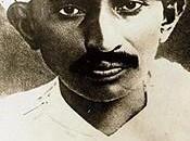 ¿Era Gandhi homosexual y... xenófobo?