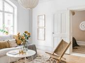 Encantador pequeño apartamento decorado alegres colores