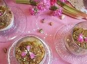Panna cotta gelatina, compota ruibarbo pistachos caramelizados