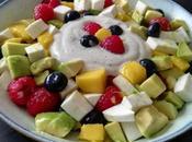 Ensalada frutas queso fresco salsa yogurt