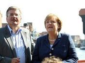 Angela Merkel descansa costa polaca invitada Komorowski