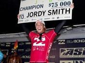Jordy Smith repite victoria Billabong J-Bay 2011