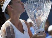 Radwanska gana título Carlsbad
