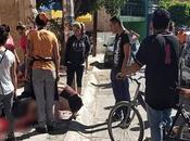 Fallece motociclista impactarse contra barda Saucito