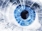 Cirujanos Reino Unido usan robot para remover tumor cerca ojo.