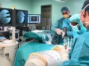 Fijación estabilización columna vertebral accesible pacientes candidatos cirugía abierta