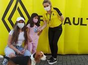 Renault loja realiza test drive solidario para donar alimento fundación rescate animal