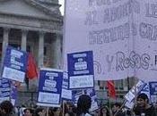Derecho Aborto: debate posterga; muertes mujeres,
