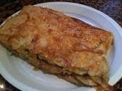 Empanada hojaldre champiñones, bacon, nata dátiles