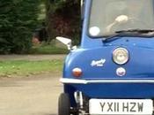 coche pequeño mundo