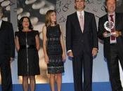 Príncipes Asturias entrega Premio Planeta Barcelona. look Dña. Letizia