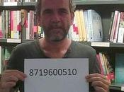 Willy Toledo posado número preso Otegi
