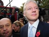 Chomsky valora anarquismo Julian Assange