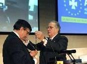 Alfonso Villa Vigil, presidente Consejo General Dentistas, recibe Insignia Brillantes Medalla