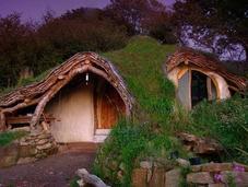 hombre construye casa Hobbit sostenible solo 3.000 libras