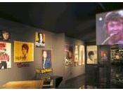 Linares homenajea Raphael museo