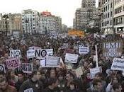 """pueblo –gritan estudiantes valencianos–, enemigo""""."""