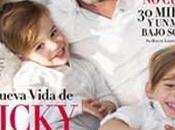 Ricky Martin posa junto hijos novio